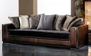 002-es kanapé