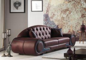 004-es kanapé