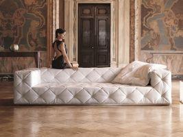 019-es kanapé