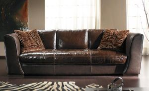 022-es kanapé